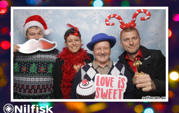 selfiecam-2018-12-14-Karacsony-Nilfisk (117)